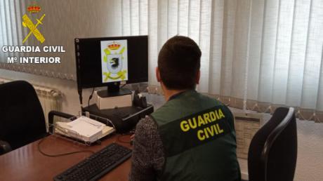 La Guardia Civil detiene a una persona por una falsa amenaza de bomba.