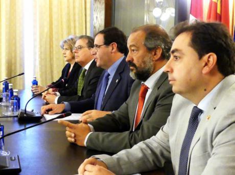 Diputación destina 100.000 euros a dos convocatorias de becas de investigación en la provincia