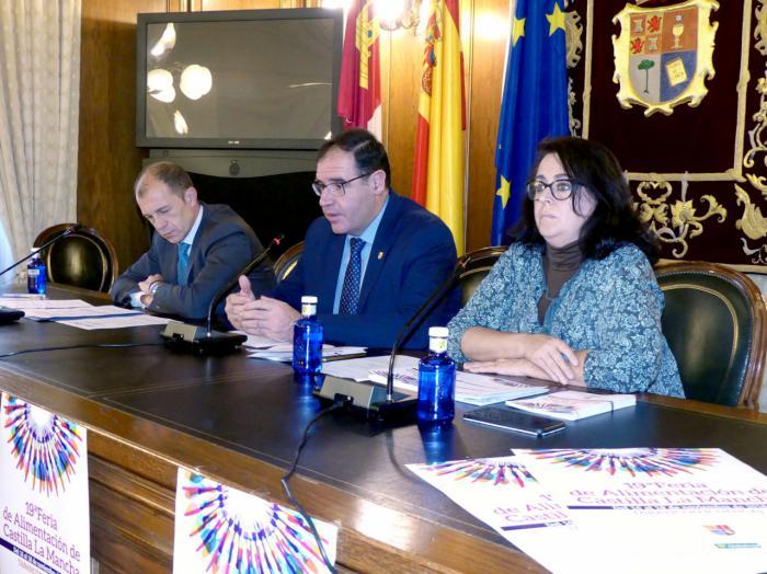 En imagen la presentación de esta mañana de la 19ª Feria de Alimentación de Castilla-La Mancha que ha tenido lugar en la Diputación conquense sin contar con la presencia del Alcalde de Tarancón