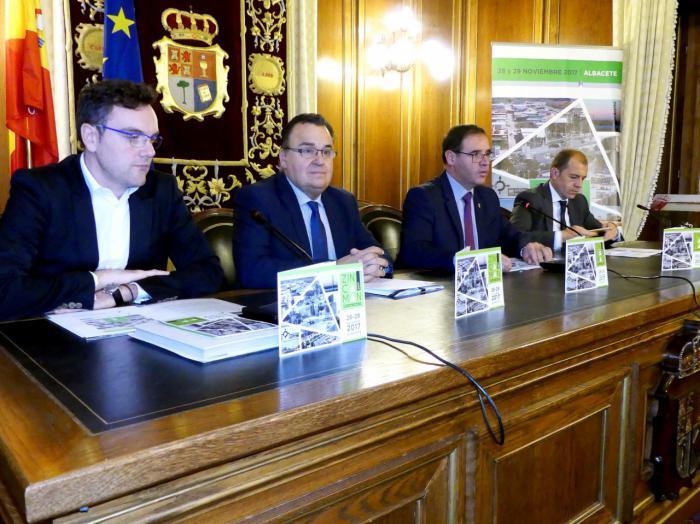 Prieto confía en que Zincaman vaya a dar las claves para dinamizar las zonas industriales de nuestra provincia