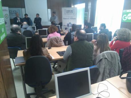 Más de cuarenta empresas asisten en Tarancón a la jornada para informarse de las subvenciones del Gobierno regional