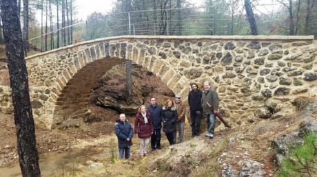 Finalizan las obras de rehabilitación del puente medieval de Poyatos