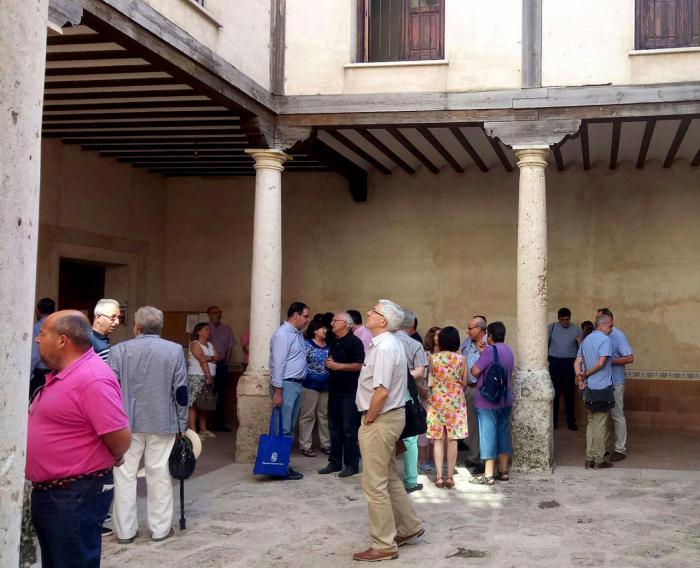 Prieto felicita a Villaescusa de Haro como ejemplo de ver una oportunidad de desarrollo en la recuperación de su patrimonio histórico-artístico