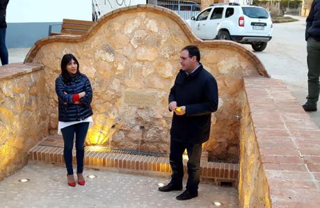 Prieto inaugura la remodelación integral de la Fuente Vieja de Villanueva de la Jara