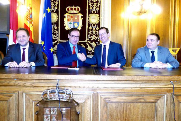 Diputación renueva su respaldo a la Semana Santa de Cuenca con una ayuda de 42.000 euros