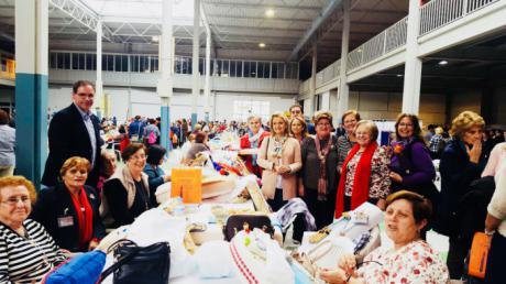 Prieto felicita a la Asociación de Mujeres Arco de la Malena por el VIII Encuentro Regional de Encaje de Bolillos de Tarancón