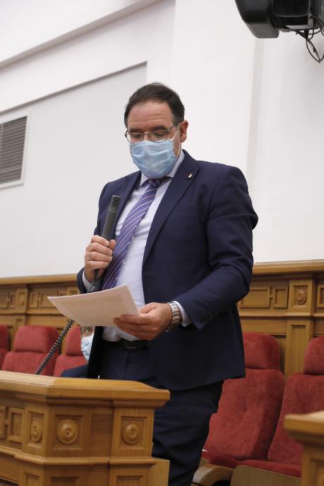 Prieto pide a la Junta mayor control de las antenas de telefonía móvil y una cobertura de calidad en todos los municipios