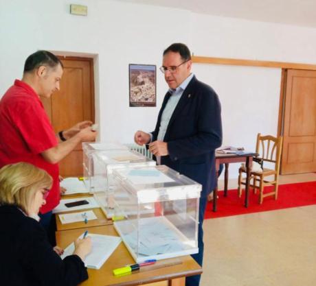 Prieto anima a participar y a votar cumpliendo con un compromiso ciudadano