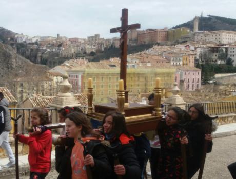 El Colegio La Milagrosa celebro ayer su tradicional procesión de Semana Santa