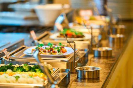 Los hosteleros solicitan la apertura de los bufets y los self-service tanto en hospedaje como en locales de restauración