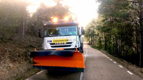 El dispositivo de vialidad invernal de Diputación está actuando en La Serranía conquense