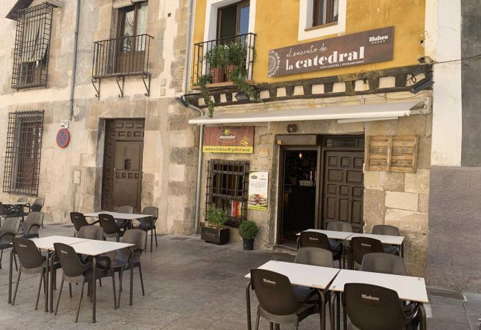 Restaurante de carnes a la brasa junto a la Catedral de Cuenca