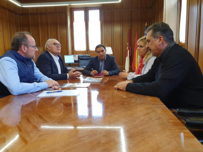 Diputación analiza con ASAJA la situación del sector agrario en la provincia