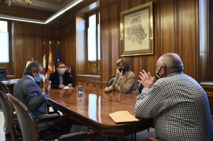La Diputación de Cuenca formaliza el apoyo de 10.000 euros a la Asociación de Municipios de Entrepeñas y Buendía