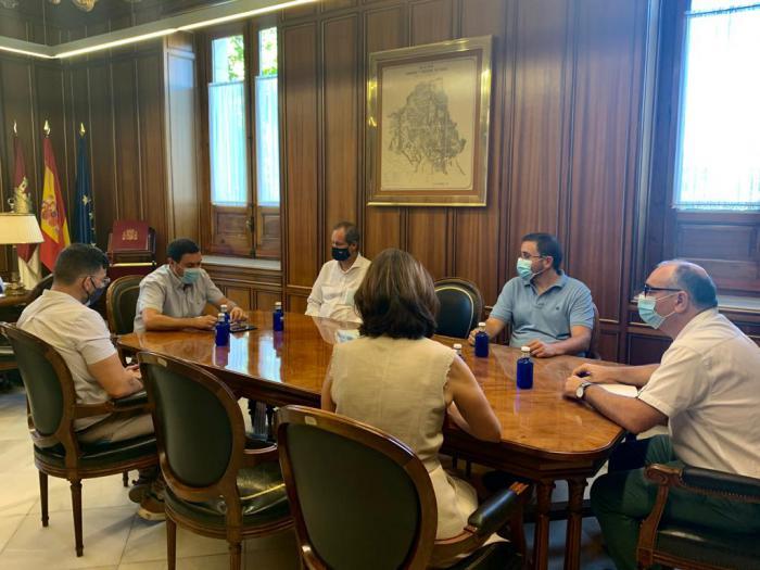 La Diputación recibe un total de 865 solicitudes para optar a las ayudas de hostelería y turismo dotadas con 1,5 millones