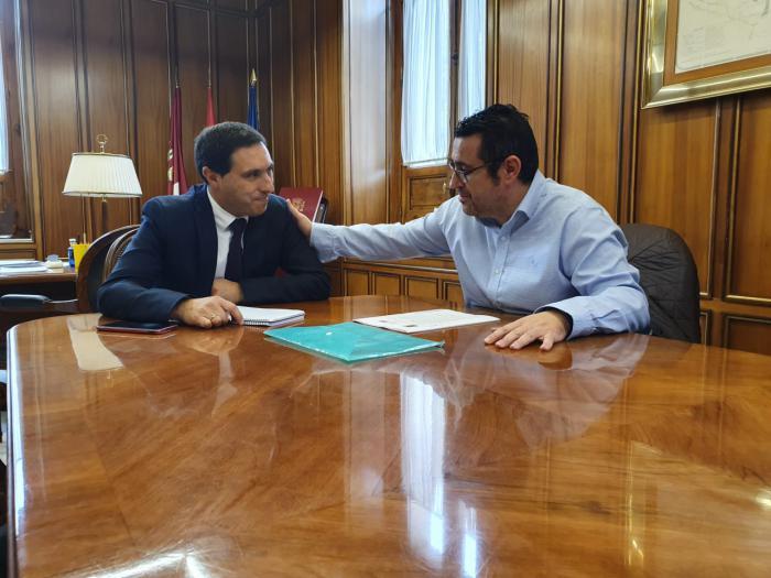 Diputación estudiará el proyecto para adquirir el carreteril que une la localidad de Las Mesas con la provincia de Albacete