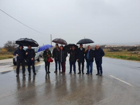 Martínez Chana recepciona las obras de mejora en la carretera que une las localidades de Landete y Huertos de Moya