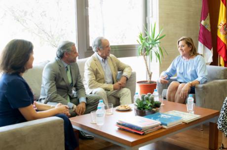 El Gobierno regional y Puy du Fou colaborarán en el diseño de actividades y material pedagógico para escolares