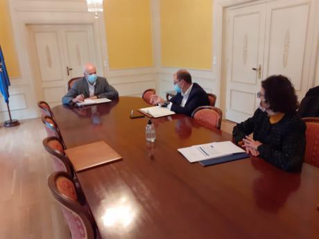 La Confederación de Empresarios presenta a la Subdelegación del Gobierno el proyecto para acoger Europa Direct