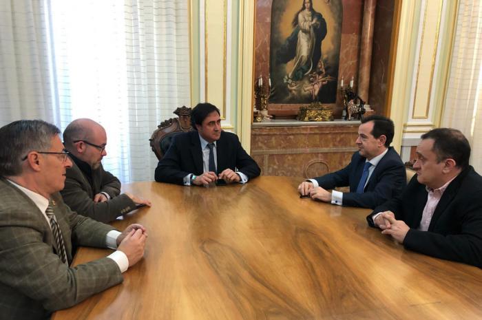 Ayuntamiento y Junta de Cofradías inician los preparativos de la Semana Santa 2019