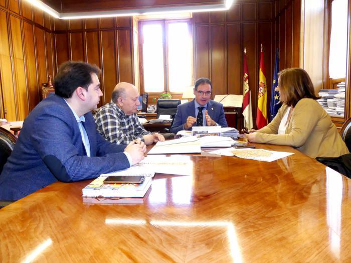 Diputación editará un libro con los estudios de los 104 elementos de arquitectura fortificada de la provincia