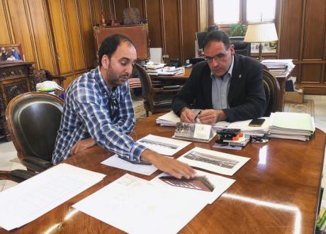 Diputación va a destinar más de 350.000 euros a cubrir la pista de entrenamiento del recinto de la Hípica