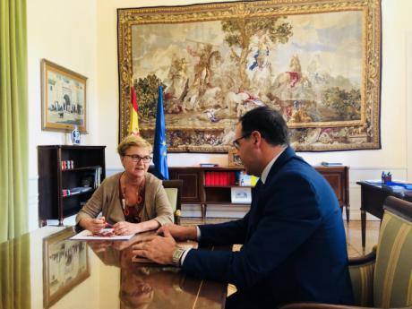 Prieto traslada a la Comisionada frente al Reto Demográfico la apuesta de la Diputación por la provincia y su potencial