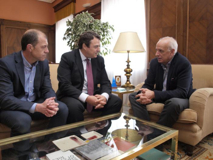 El subdelegado del Gobierno en Cuenca recibe la visita institucional del presidente de los empresarios conquenses