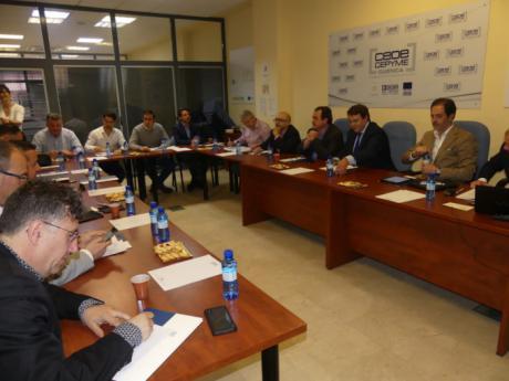 """La candidatura de """"Cuenca nos une"""" se reúne con los empresarios para conocer sus preocupaciones y demandas"""