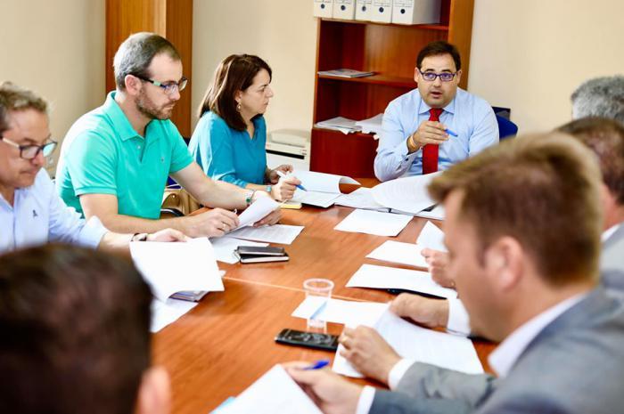 Plaza anuncia que el PP presentará en la Diputación y en ayuntamientos dos mociones pidiendo al Gobierno de Page una bajada de impuestos y medidas de apoyo a los autónomos