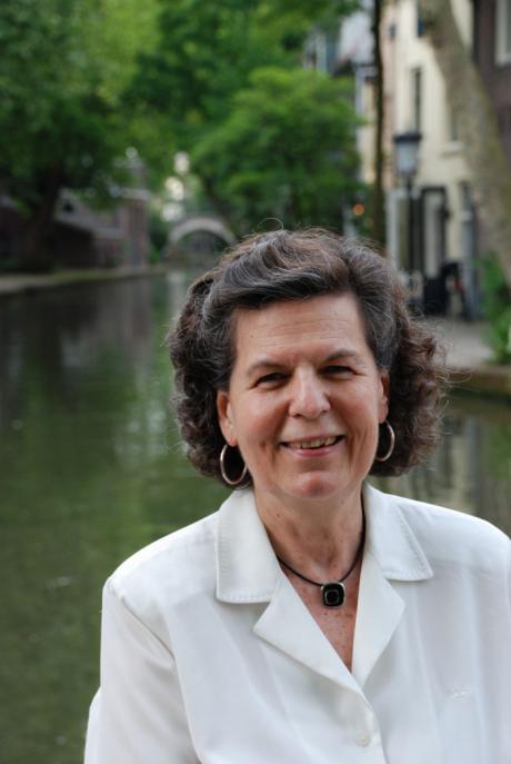 Encuentro literario con Rosa Navarro Durán en Iniesta