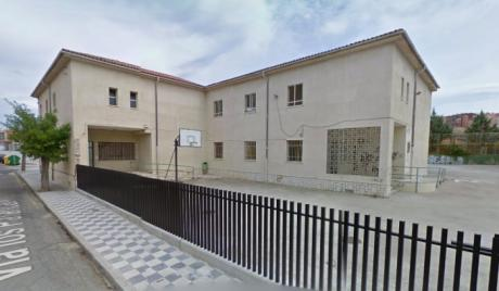 Vecinos de Las Quinientas piden al Ayuntamiento la cesión del antiguo colegio Astrana Marín