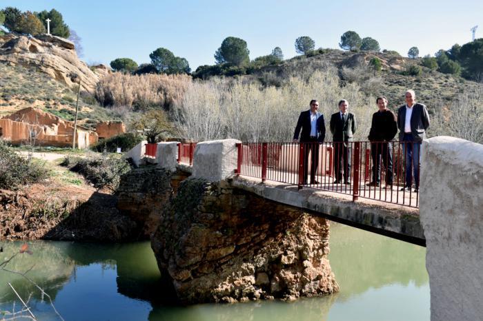 A buen ritmo las obras de adecuación del Puente de San Benito en El Picazo