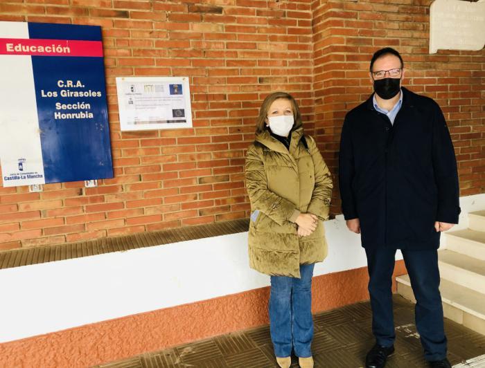 Honrubia reclama a la Junta los 196.000 euros que adelantó en marzo para pagar obras en el colegio y la vivienda tutelada