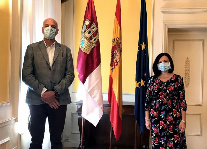 El subdelegado del Gobierno de España en Cuenca, Juan Rodríguez, ha recibido en su despacho a la nueva directora de MUFACE Silvia Ortiz Simarro