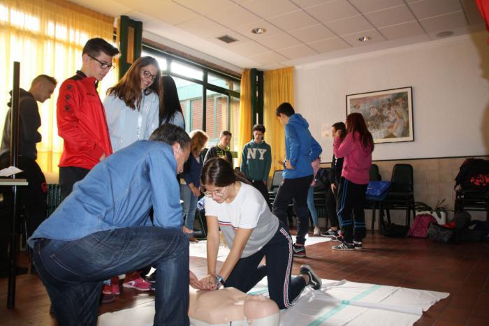 Educación y Sanidad colaboran para divulgar técnicas básicas de reanimación cardiopulmonar entre los escolares de Cuenca