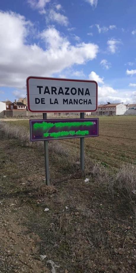 IU denuncia los actos vandálicos hacia placas y señales contra la violencia de género