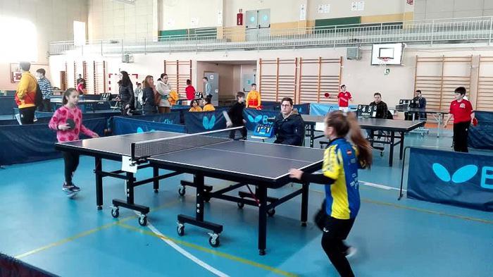 Buen ambiente en Cuenca en el arranque oficial del Campeonato Provincial de Tenis de Mesa Escolar