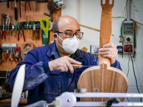 """Tomás Leal: """"Es una pena que ahora nos rijamos por lo quiero mañana y lo más barato. Los artesanos no somos así"""""""