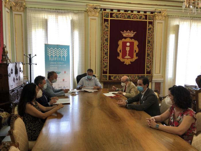 Globalcaja se suma al proyecto UFIL y colaborará con el Ayuntamiento de Cuenca en el fomento del emprendimiento y la bioeconomía forestal