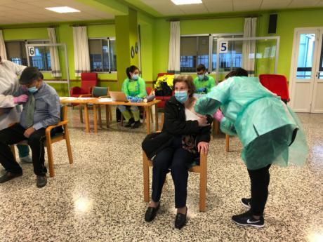 Los residentes y trabajadores de la Residencia Provincial ya están inmunizados frente al coronavirus tras la segunda dosis