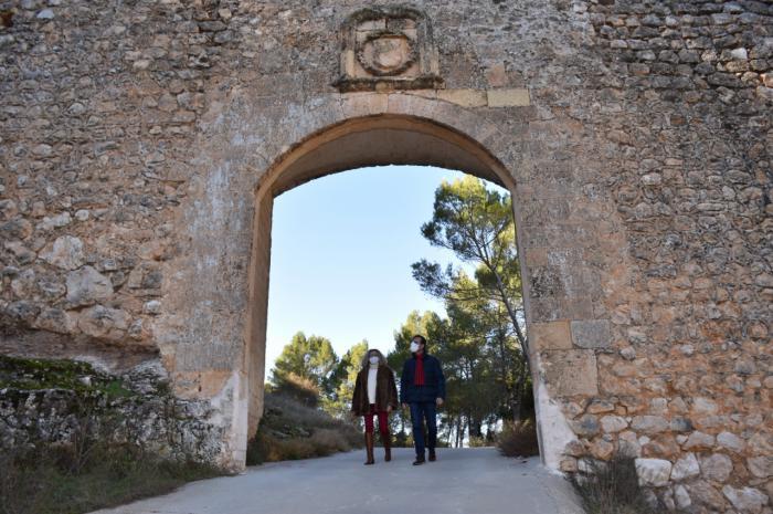 Las obras para actuar en la muralla de Alarcón con una inversión de 200.000 euros ya están adjudicadas