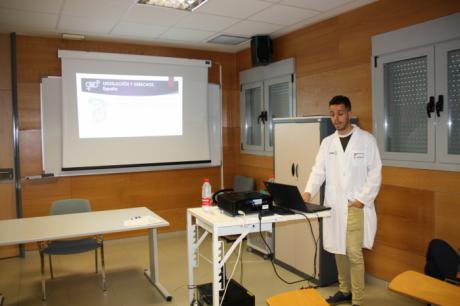 La Unidad Multidisciplinar de Atención a personas trans de Cuenca se da a conocer en los hospitales de la región