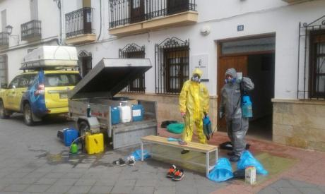 Se han realizado tareas de limpieza y desinfección en más de medio centenar de viviendas tuteladas de la provincia