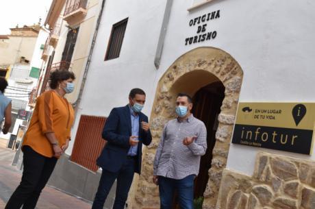 La Diputación destina 31.000 euros para que 10 localidades de la provincia mantengan la Oficina de Turismo