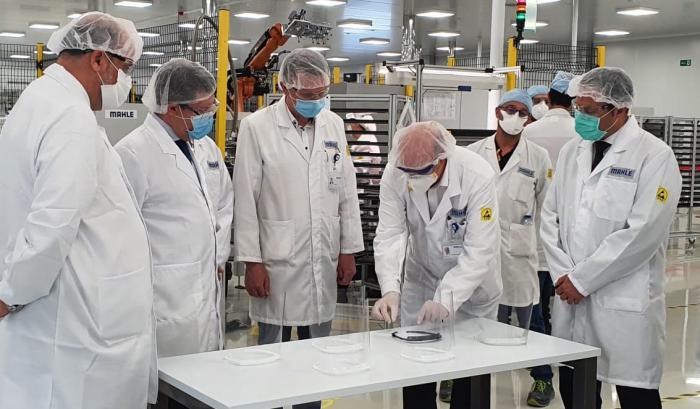La Diputación y la fábrica motillana de Mahle han producido un total de 40.000 viseras protectoras