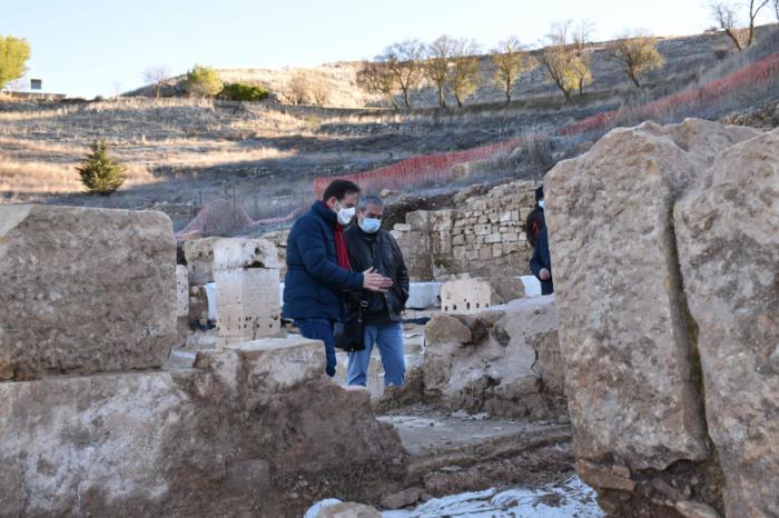 La Diputación invertirá 170.000 euros para cubrir y poner en valor los mosaicos de las termas en Valeria