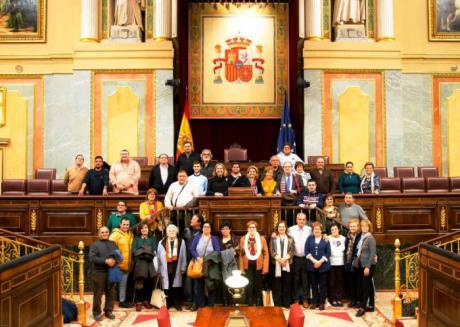 Bonilla y Jareño acompañan a vecinos de Casas de Benítez y de Huete en su visita al Congreso de los Diputados y al Senado