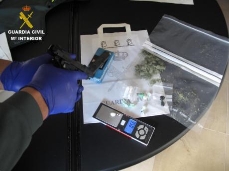 La Guardia Civil desmantela un punto de venta de droga en la localidad de La Villa de Don Fadrique