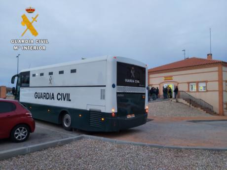 La Guardia Civil detiene a 15 personas cuando estaban robando en una nave de Cabañas de la Sagra